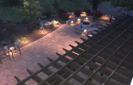 Paver patio under pergola